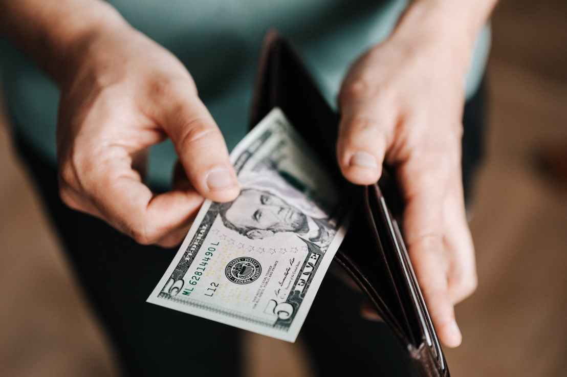 The Ultimate Budgeting Guide | 50 Tips That Will Change YourLife