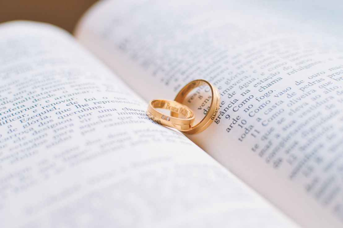 Money and Marriage: 6 Tips for a HealthyRelationship